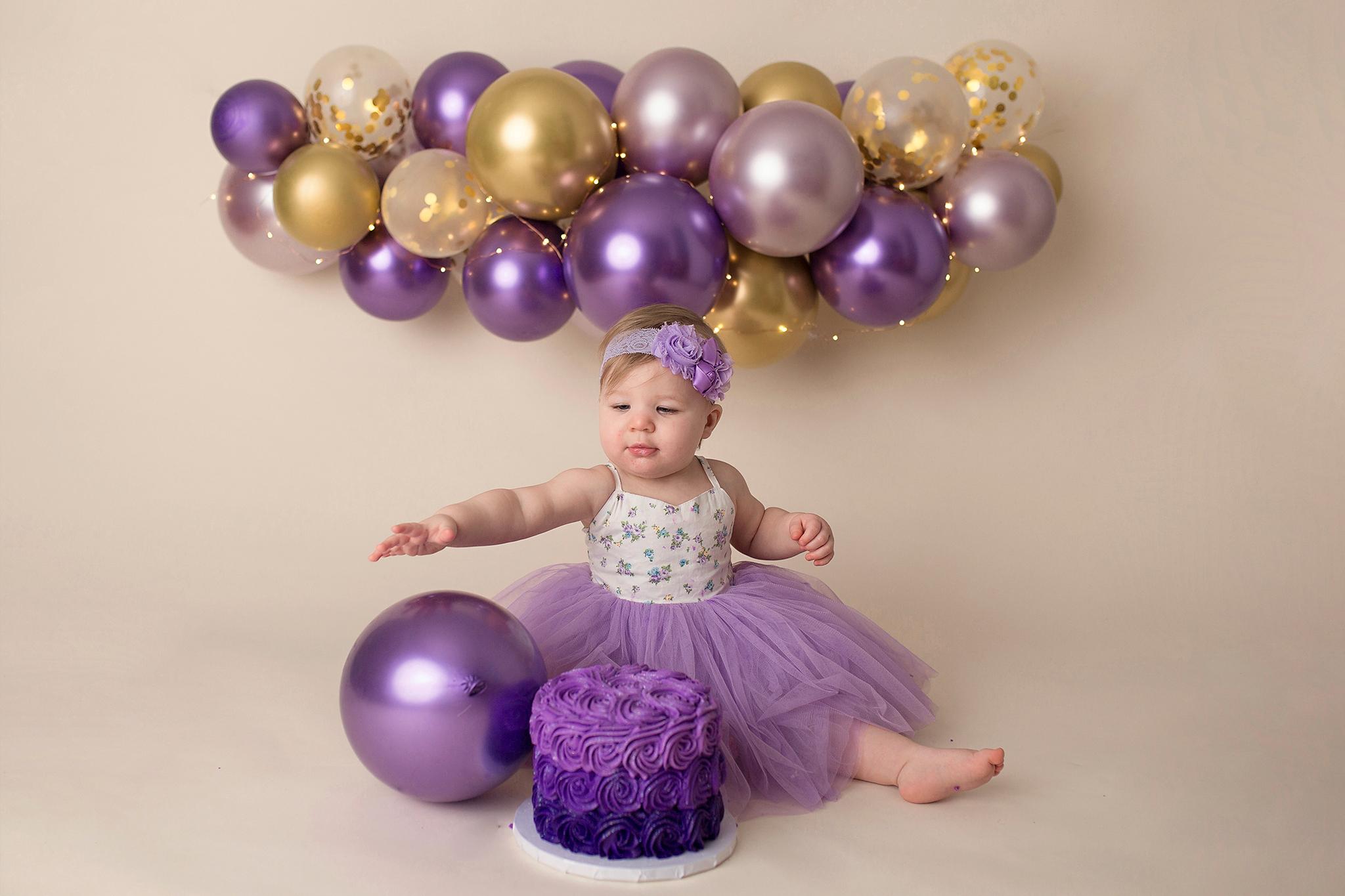 cake smash photographer baby portraits 2021