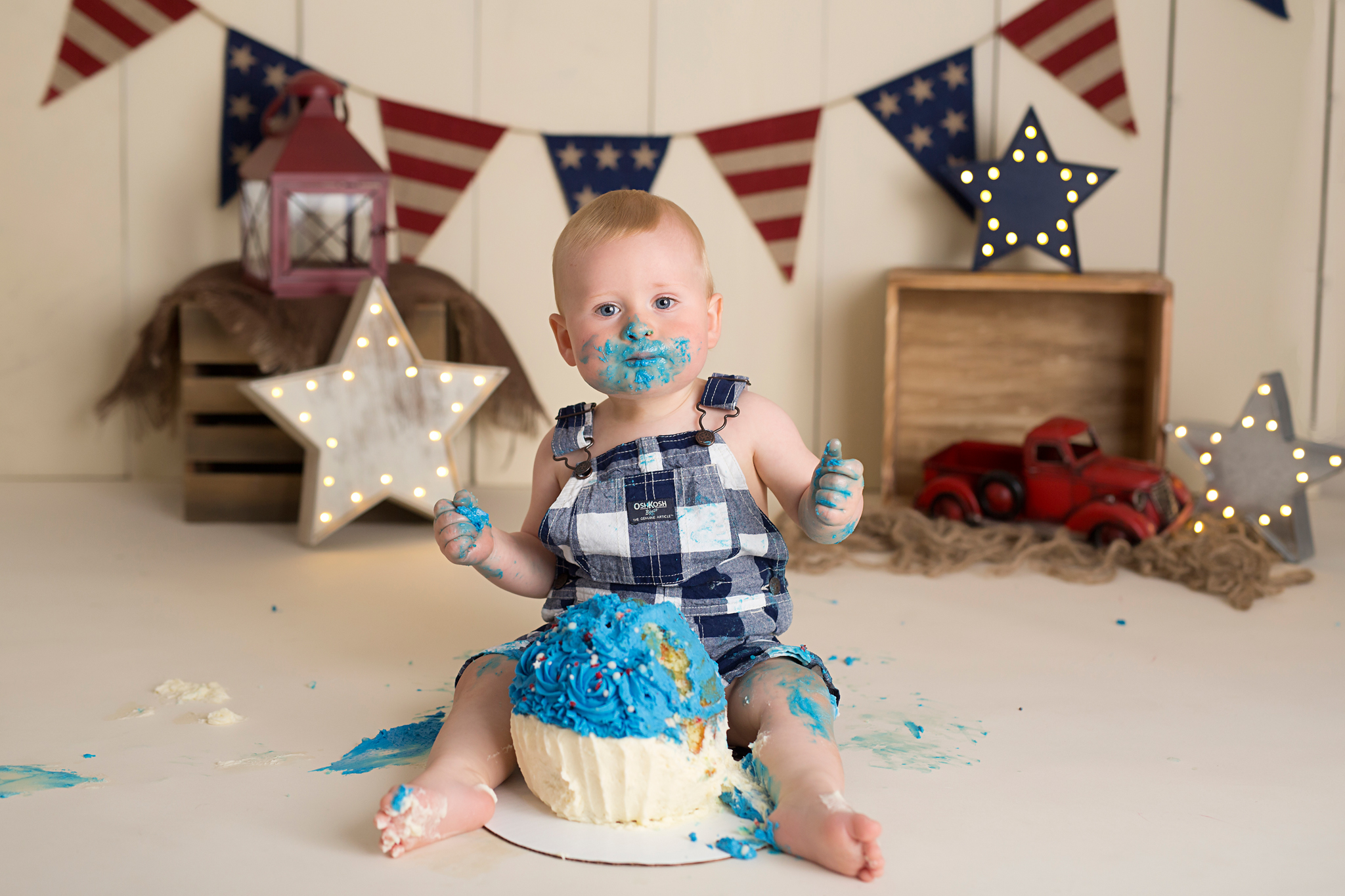 cake smash photographer brighton michigan micheal