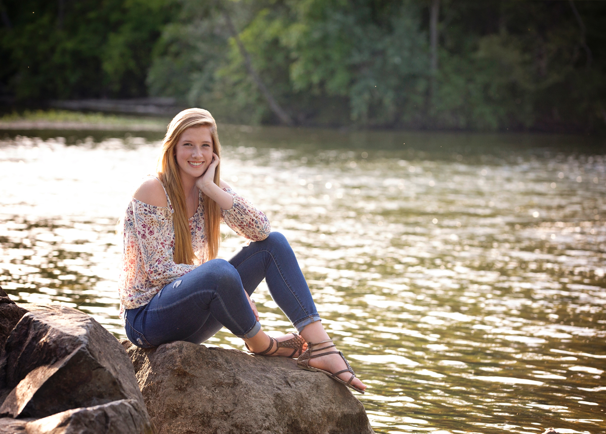 hartland michigan senior portraits photographer