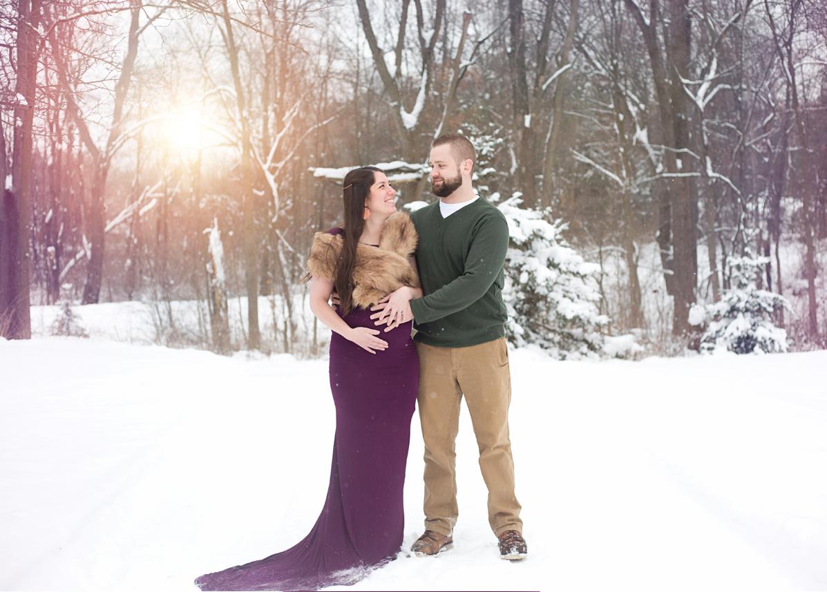 maternity portraits hartland michigan winter