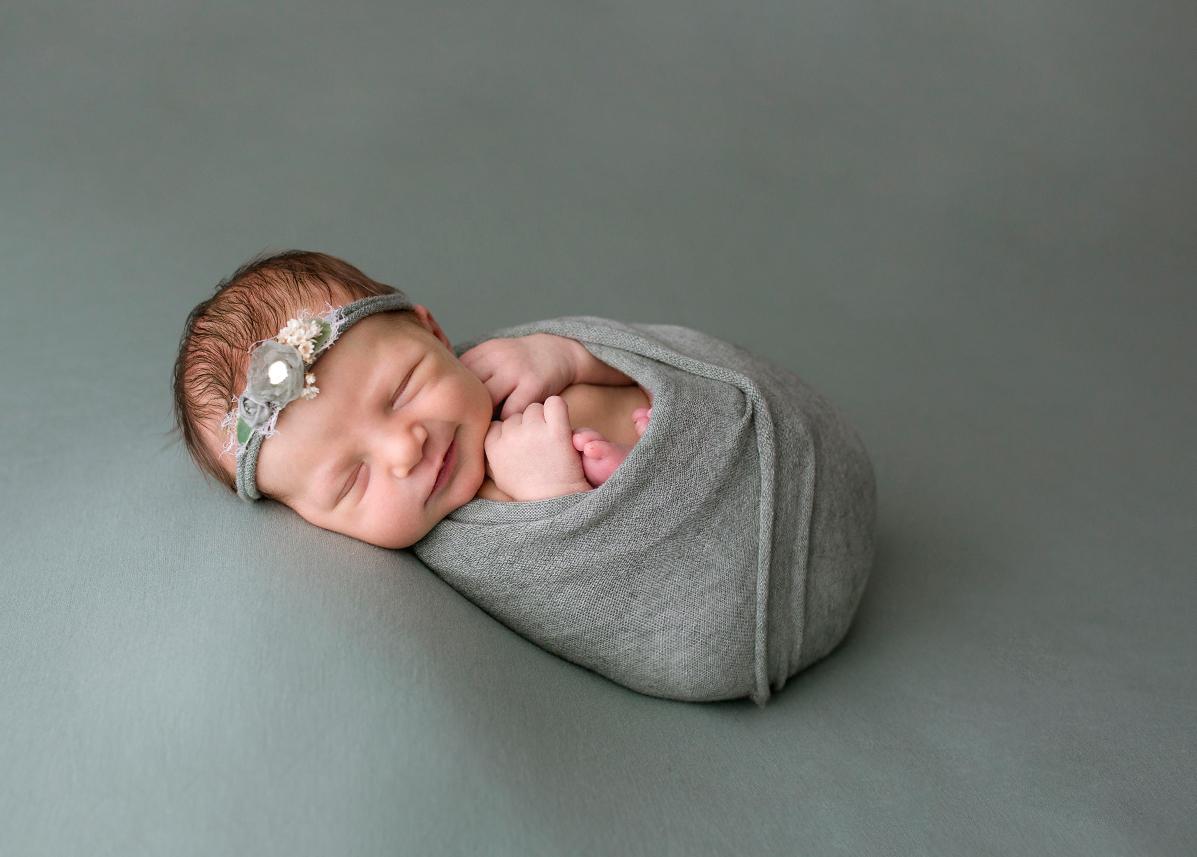 newborn portraits howell michigan 2021