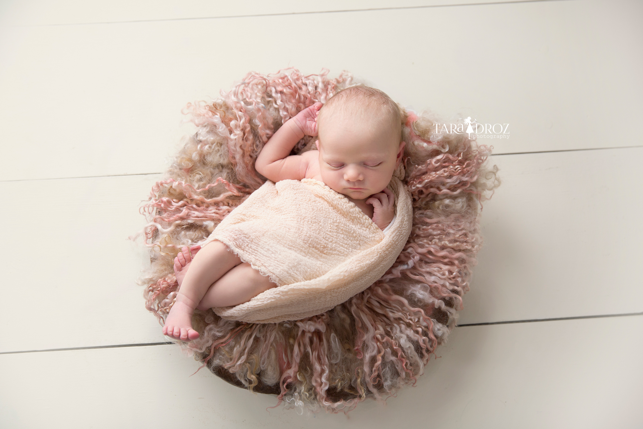 Newborn Lilly { Metro Detroit Newborn Photographer } Pure. Simple. Organic