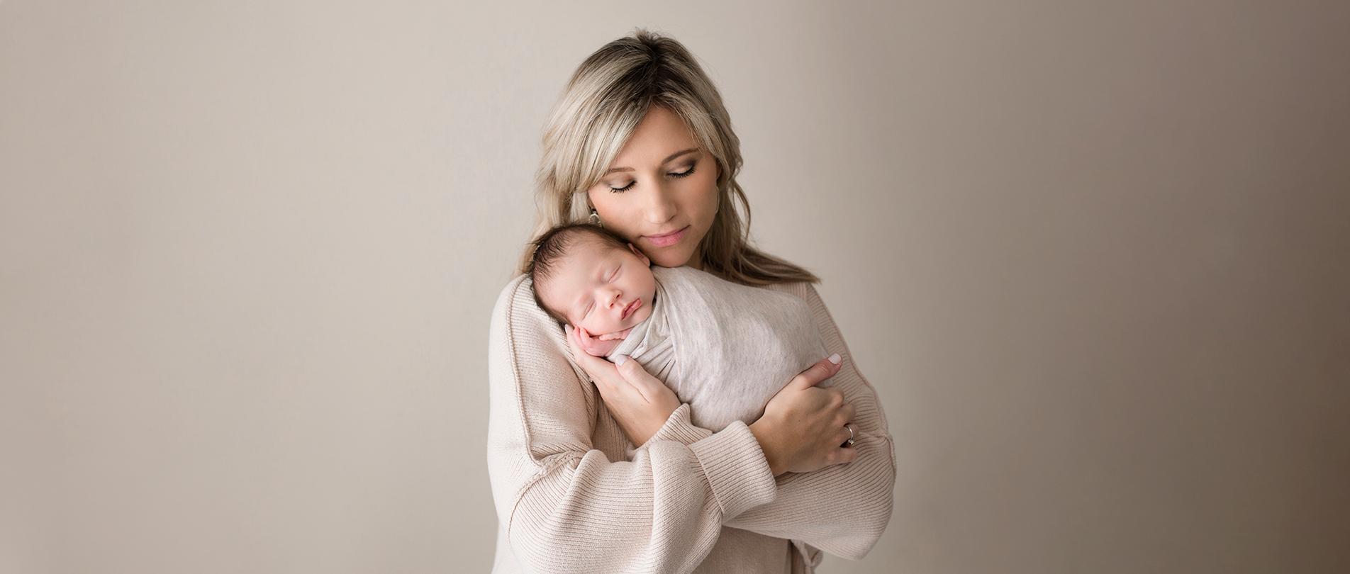 newborn photographer howell michigan brighton ann arbor 2020